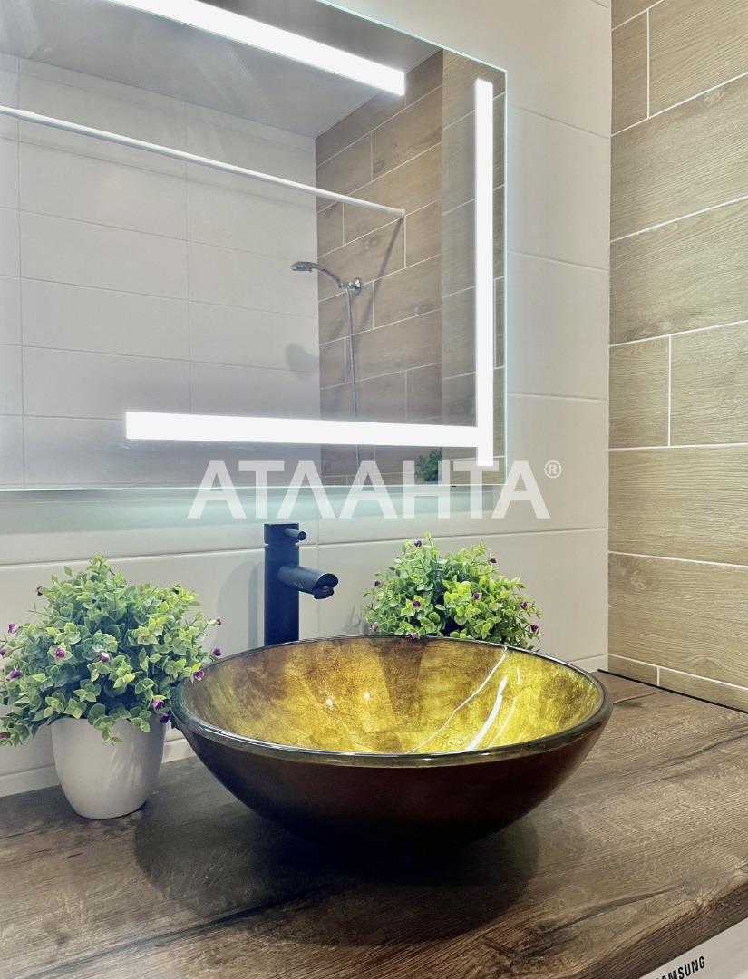 продажа двухкомнатной квартиры номер A-165022 в Приморском районе, фото номер 6